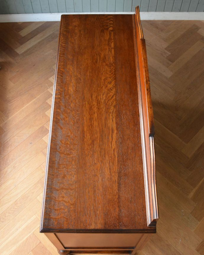q-950-f アンティークサイドボードの天板