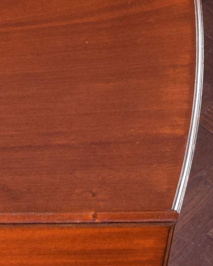 q-974-f アンティークドレッサー(ドレッシングチェスト)の角