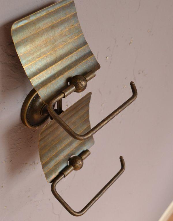 sa-251 真鍮ペーパーホルダー(ツイン・アンティーク色)のアップ
