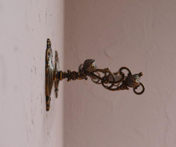 洗面・トイレ 住宅用パーツ ヨーロピアン調の真鍮製ダブルタオルバー(アンティーク色)。横から見たバーの装飾も美しいデザインです。(sa-627)