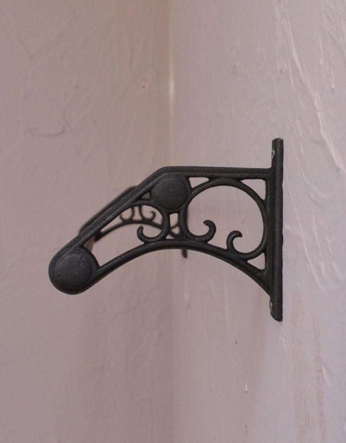 洗面・トイレ 住宅用パーツ お洒落なサニタリーアイテム、真鍮製ダブルタオルバー(ブラック)。横から見たバーの装飾も美しいデザインです。(sa-634)