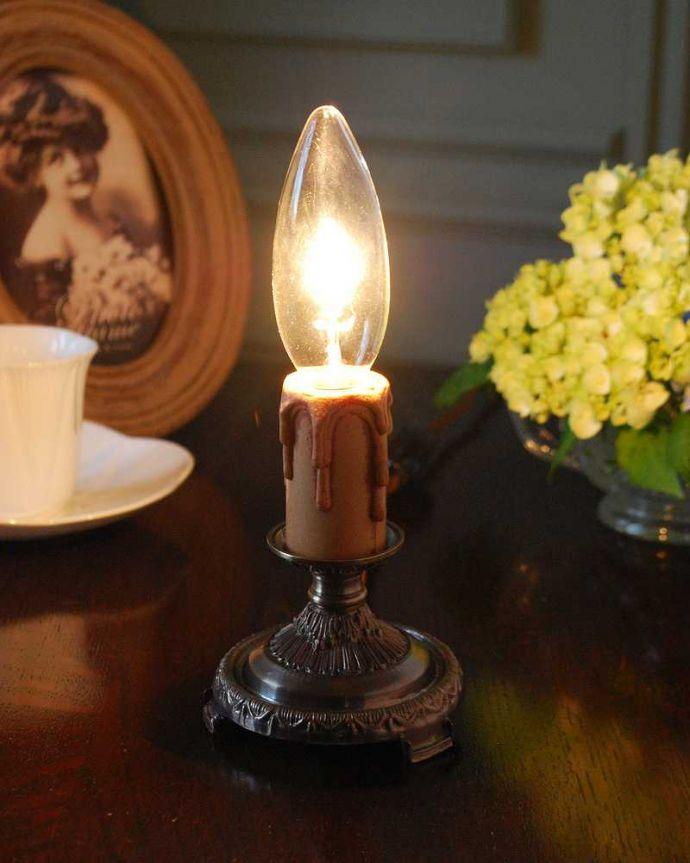 Handleオリジナル 照明・ライティング Handleオリジナルのステンドグラス用スタンドライト(アンティーク色・S)(E17シャンデリア球付)。キラキラ輝く本物の輝きヨーロッパから取り寄せた真鍮のパーツを組み合わせて作ったHandleオリジナルのスタンドライトです。(sgl-02-a)