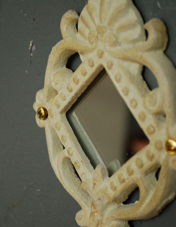 フック・フックボード 住宅用パーツ アイアン製アンティーク風WHミラーフック(菱形)。アンティーク風の加工がされたアイアンに、ミラーが付いたオシャレなデザインです。(u-769)