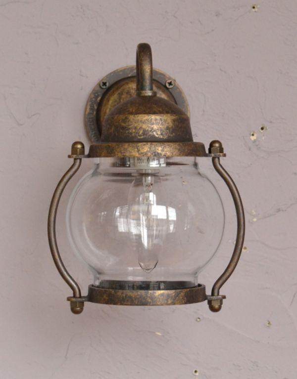 wr-082 外灯の正面