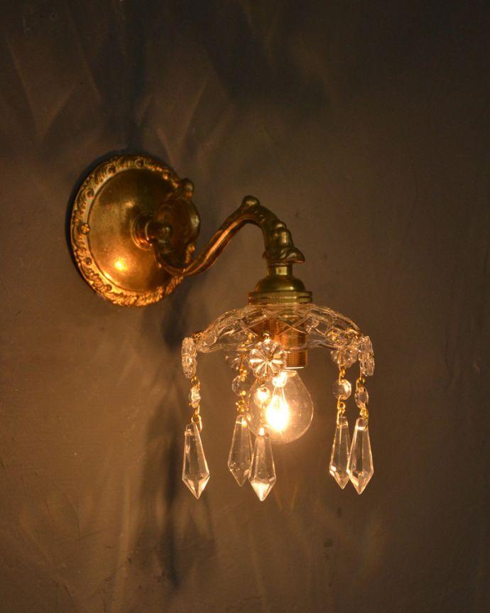 Handleオリジナル 照明・ライティング Handleオリジナルガラス皿のウォールシャンデリアF(丸球付・ギャラリーなし)。夜が楽しみになる壁からの灯り点灯した時に壁に映るドラマティックな光の陰影を楽しむことが出来ます。(wr-095g-o)