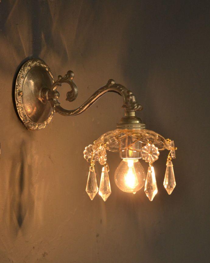 Handleオリジナル 照明・ライティング Handleオリジナルガラス皿のウォールシャンデリアG(アンティーク色・丸球付・ギャラリーなし)。夜が楽しみになる壁からの灯り点灯した時に壁に映るドラマティックな光の陰影を楽しむことが出来ます。(wr-096a-o)