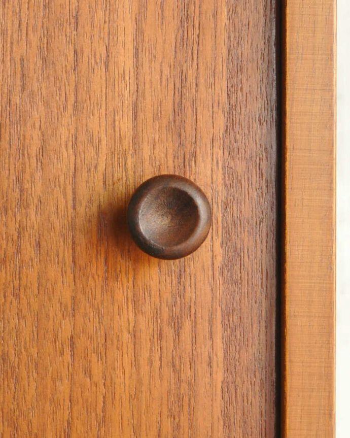 x-1039-f ヴィンテージサイドボードの扉の取っ手
