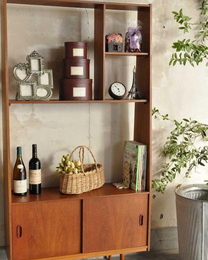 アンティークのキャビネット アンティーク家具 本棚や飾り棚に使えるヴィンテージ家具、イギリスで見つけたディバイダー。おしゃれに「魅せて」くれる「見せる収納」です使い方は自由自在。(x-1178-f)