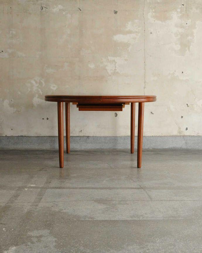 x-1183-f ビンテージダイニングテーブルの横(閉じた状態)
