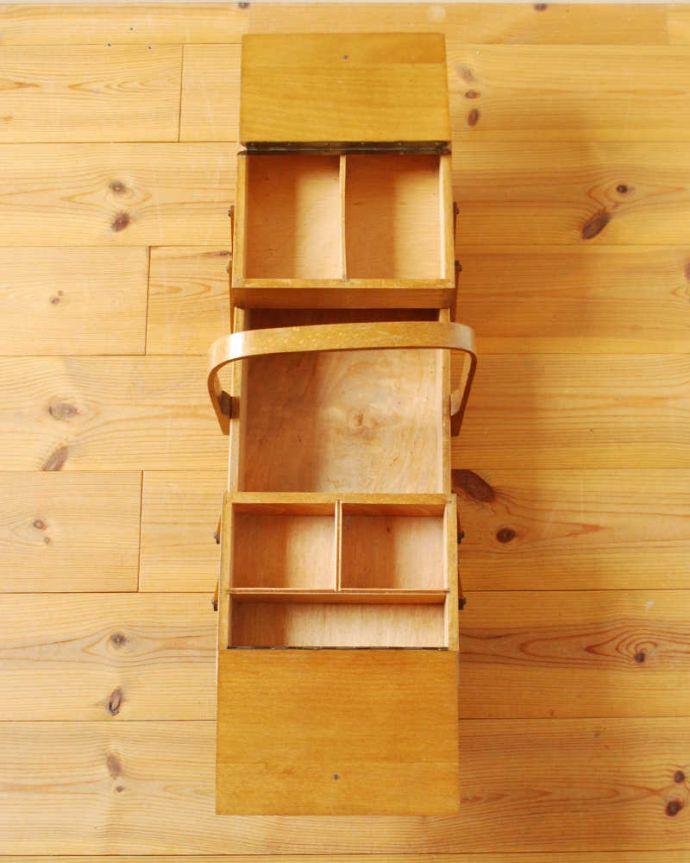 x-1218-f アンティークソーイングボックスの上から(開いた状態)