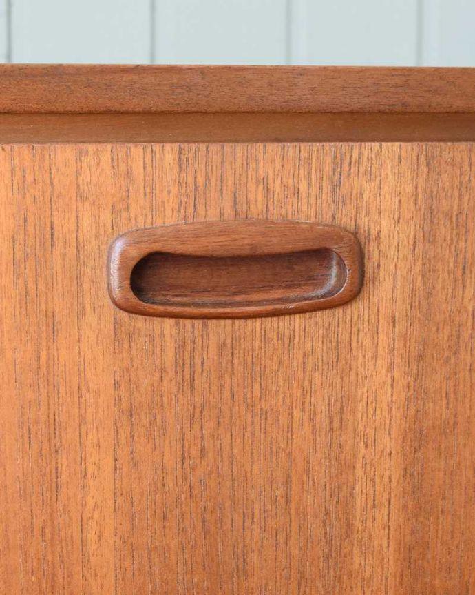 x-1238-f ヴィンテージサイドボードの扉の取っ手