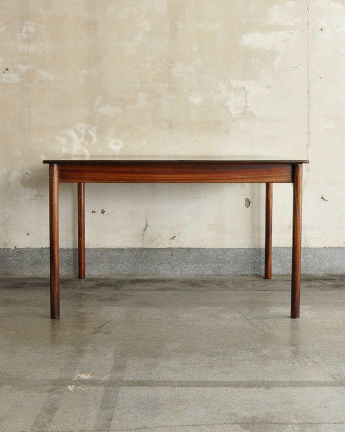 x-1239-fビンテージダイニングテーブルの横(閉じた状態)