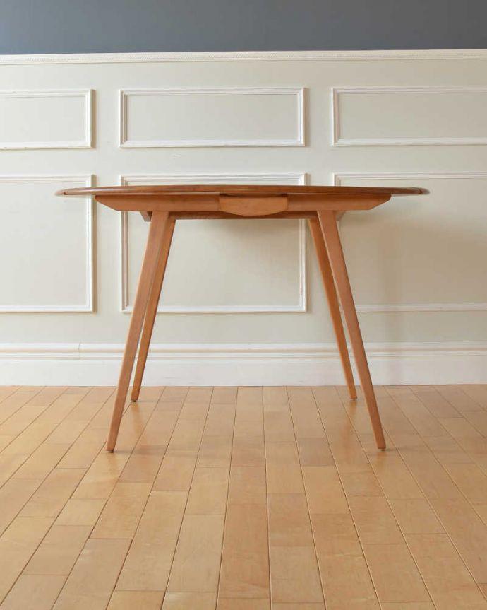 ERCOLのテーブルの側面