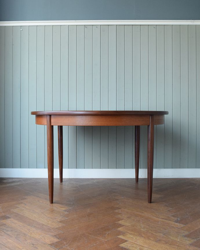 x-1307-f ビンテージダイニングテーブルの横(閉じた状態)