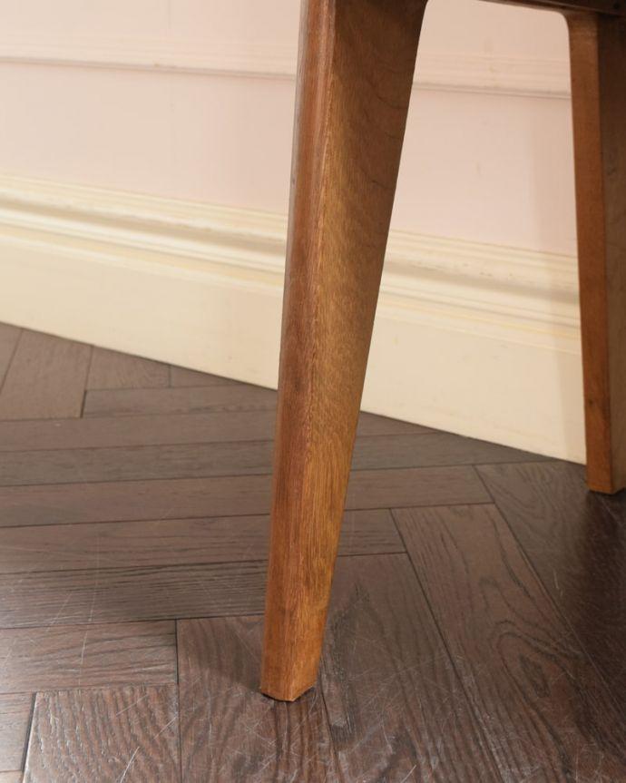 ビューロー アンティーク家具 ビューローキャビネット スッキリとした脚の裏には…Handleの家具の脚裏にはフェルトキーパーをお付けしています。(x-1359-f)