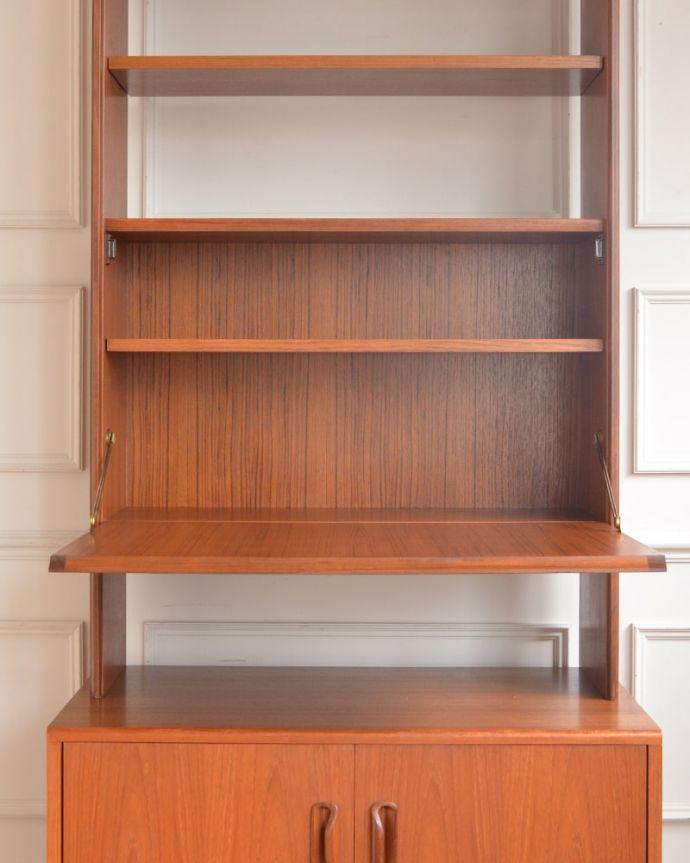 アンティークのキャビネット アンティーク家具 G-planユニットキャビネット 扉の奥はたっぷり収納扉を開けると、中にはたっぷりの収納。(x-1399-f)