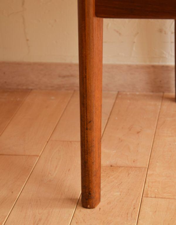 x-382-c アンティークチェアの脚