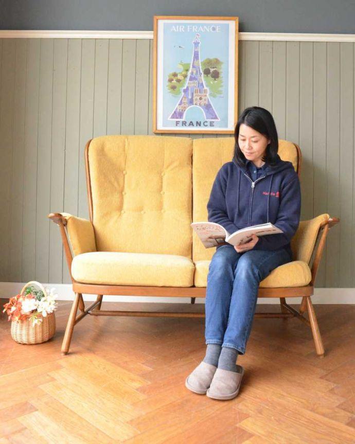 アーコールの家具 アンティーク チェア 高い背もたれでゆっくりくつろげる・・・アーコールの2人掛けソファ。ゆったり座れますふかふかのクッションに包まれると時間を忘れてくつろいでしまいます。(x-487-c)