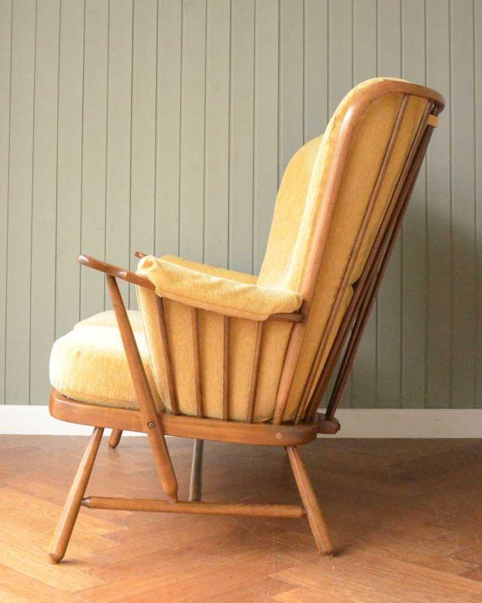 アーコールの家具 アンティーク チェア 高い背もたれでゆっくりくつろげる・・・アーコールの2人掛けソファ。横から見てもカッコイイ計算され作りたシンプルなフォルム。(x-487-c)