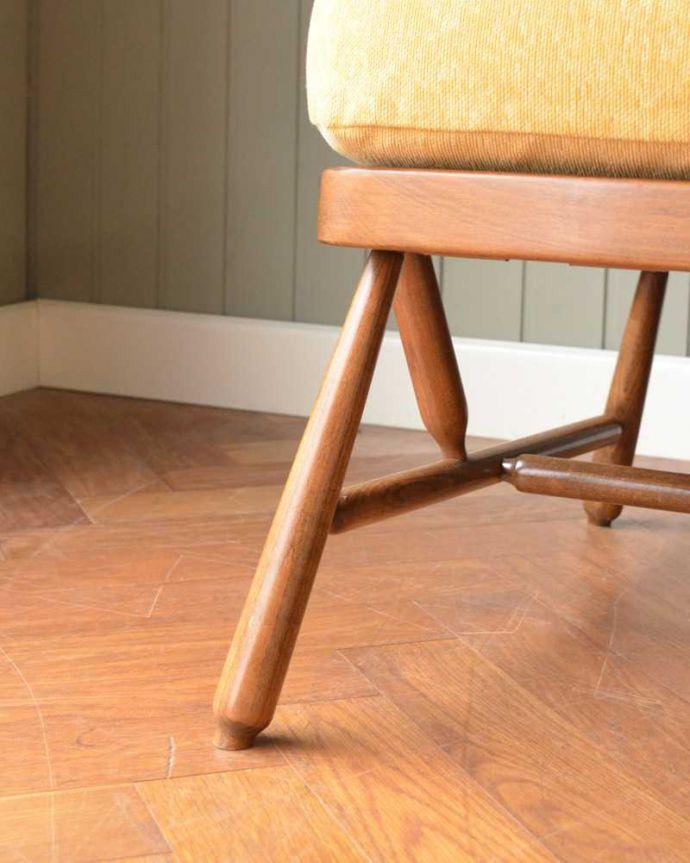 アーコールの家具 アンティーク チェア 高い背もたれでゆっくりくつろげる・・・アーコールの2人掛けソファ。持ち上げなくても移動できます!Handleのアンティークは、脚の裏にフェルトキーパーをお付けしていますので、持ち上げなくても床を滑らせて移動させることが出来ます。(x-487-c)