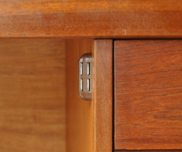 x-684-f ヴィンテージサイドボードのマグネット