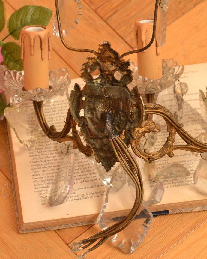 壁付けブラケット 照明・ライティング 華やかなアンティーク照明、フランス生まれの壁付けシャンデリア(3灯)(E17シャンデリア球付)。。(x-695-z)