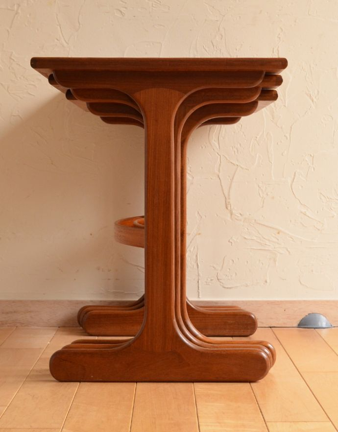 x-753-f ビンテージネストテーブル(G-plan)の横