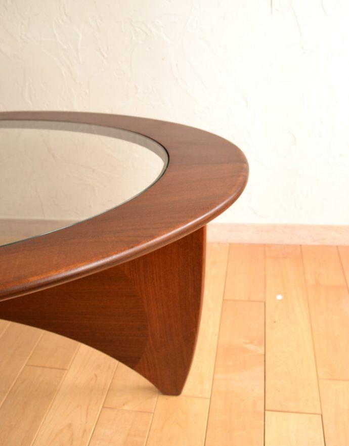 x-766-f アンティークコーヒーテーブルの角