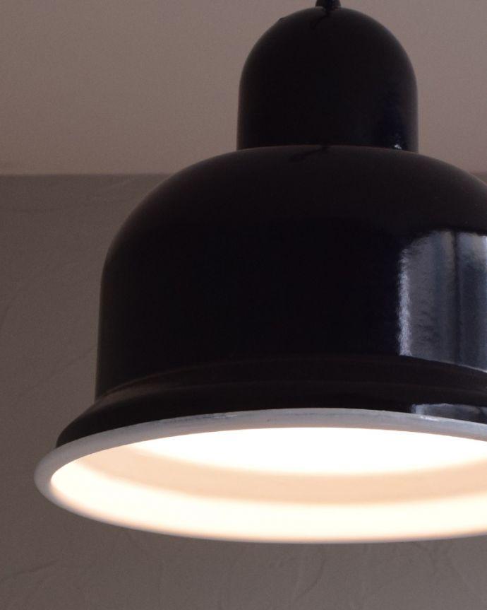 x-781-z ヴィンテージエナメルランプ(ブラック)の点灯時アップ