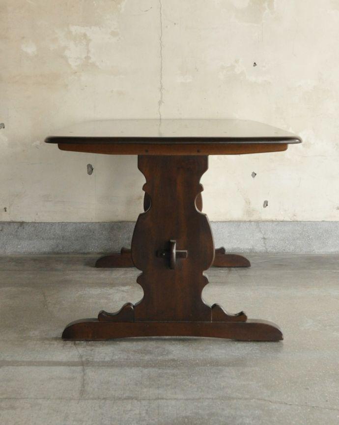 x-837-f アンティークアーコールダイニングテーブルの横