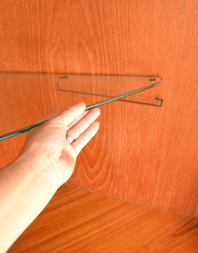 x-844-f アンティークコーナーキャビネットの棚板2