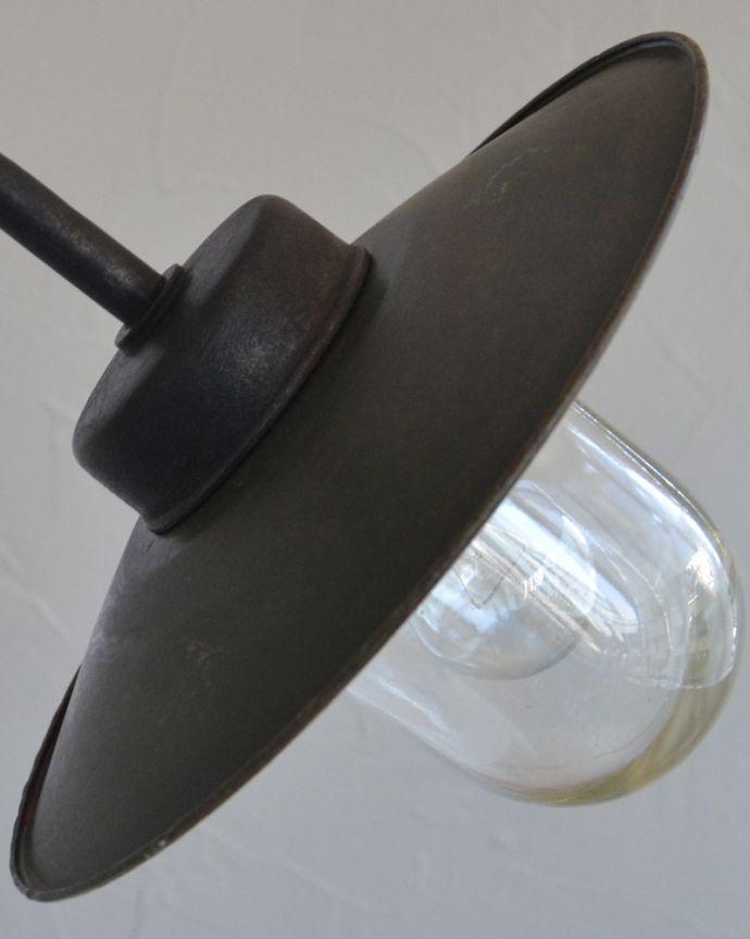 壁付けブラケット 照明・ライティング フランスの黒いアンティークデッキランプ、ポーチライト(外灯)(E26球付)。かっこいいブラックカラーのシェードです。(x-847-z)