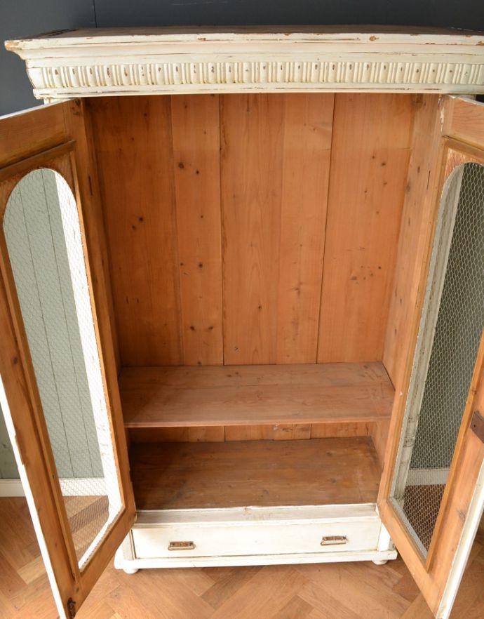 アンティークのキャビネット アンティーク家具 ペイント仕上げのアンティーク家具、フランスのグリアージュキャビネット。扉を開けると・・・たっぷり収納できるワードローブ。(x-851-f)