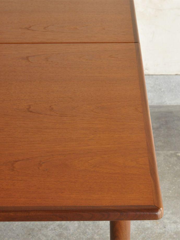 x-871-f ビンテージダイニングテーブルの角