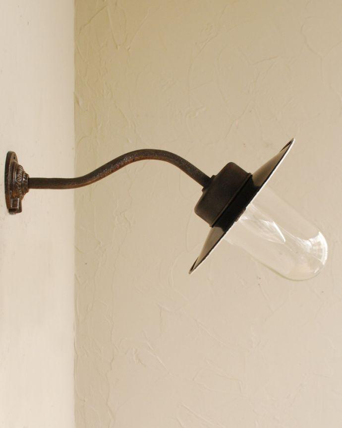 壁付けブラケット 照明・ライティング アンティークのウォールデッキランプ、お洒落なポーチライト(外灯)(E26球付)。。(x-876-z)