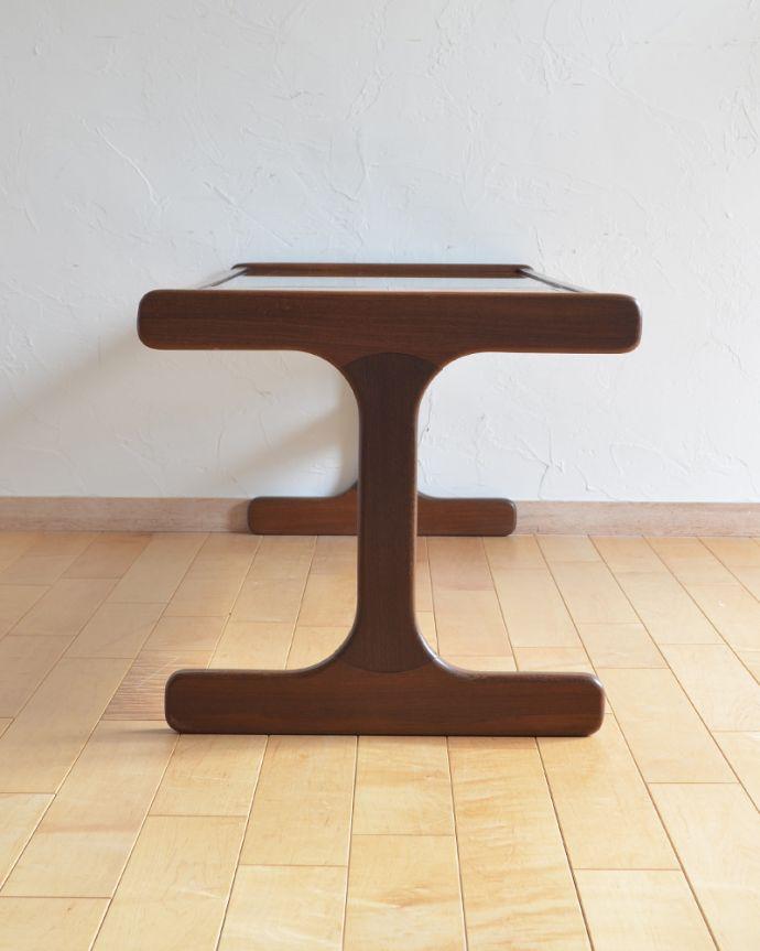 x-924-f ヴィンテージセンターテーブルの横