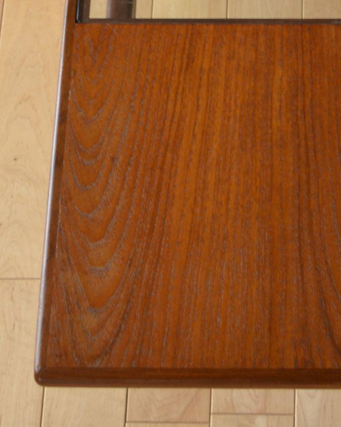 x-943-f ヴィンテージG-planセンターテーブル(リビングテーブル)の角