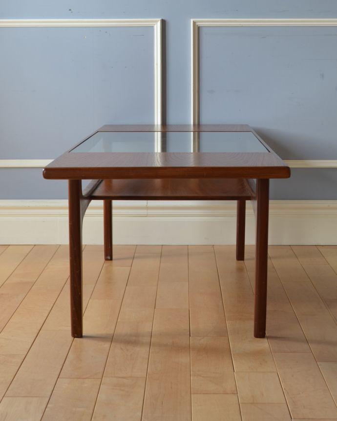 x-943-f ヴィンテージG-planセンターテーブル(リビングテーブル)の横