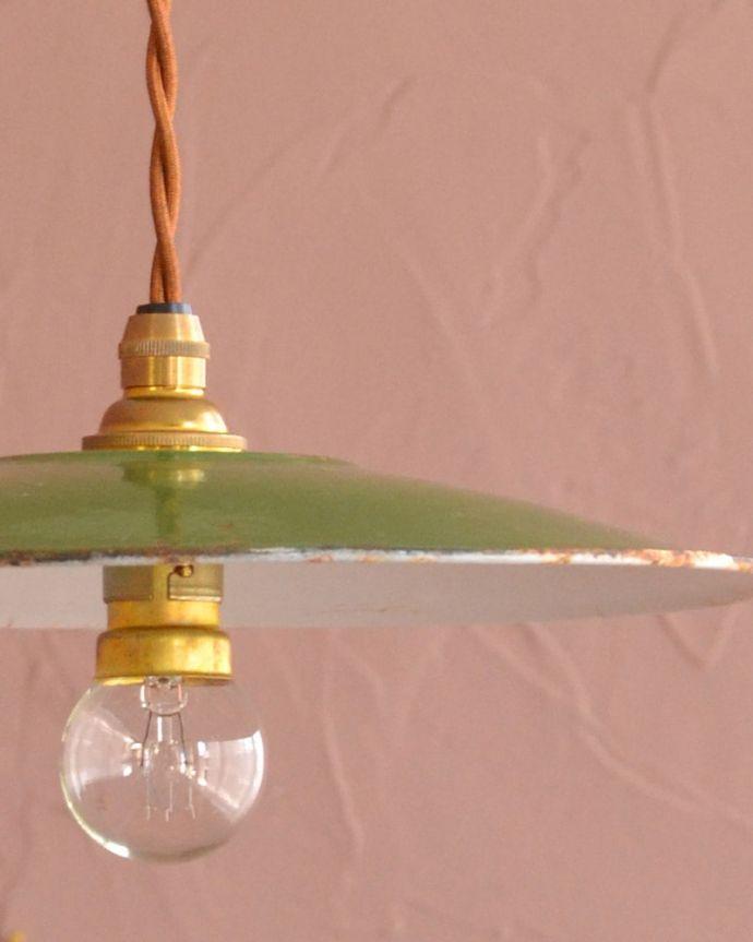 照明・ライティング ランプシェード シンプルなデザインどんなお部屋にも合わせやすいシンプルな形のシェードです。(x-943-z)