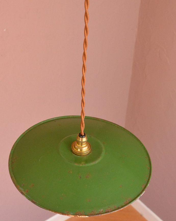 照明・ライティング ランプシェード 取り付け金具は日本仕様シェードはアンティークですが、取り付け金具は日本仕様の新しいものです。(x-943-z)