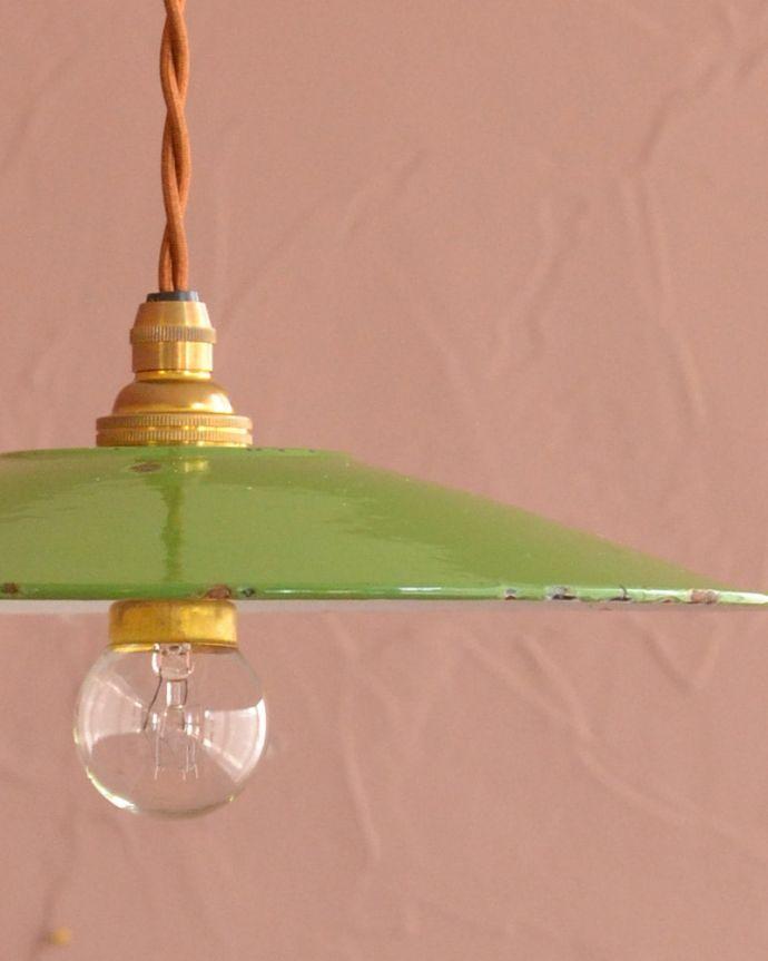 照明・ライティング ランプシェード シンプルなデザインどんなお部屋にも合わせやすいシンプルな形のシェードです。(x-945-z)