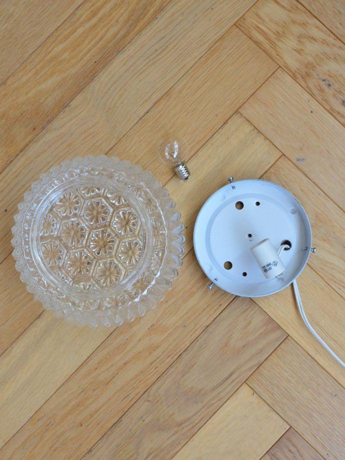 スタンドライト 照明・ライティング フランスから届いたテーブルランプ、アンティーク風のおしゃれな照明(E17丸球付)。電球付きなので届いてすぐに使えます日本球仕様(E17型・40Wまで対応)でオーバーホウルしたので安心して使えます。(cf-1110)