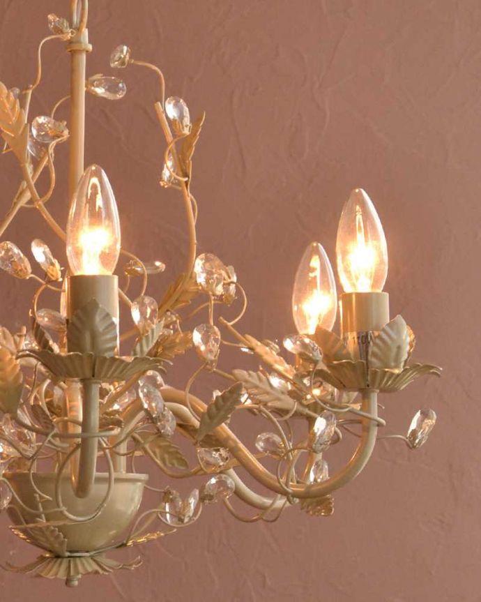 シャンデリア 照明・ライティング 気軽に使えるアンティーク風のシャンデリア(6灯)(E12電球付) 。。(cr-526)