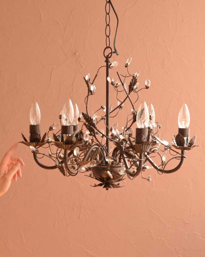 シャンデリア 照明・ライティング 気軽に使えるアンティーク風のシャンデリア(6灯)(E12電球付) 。。(cr-525)