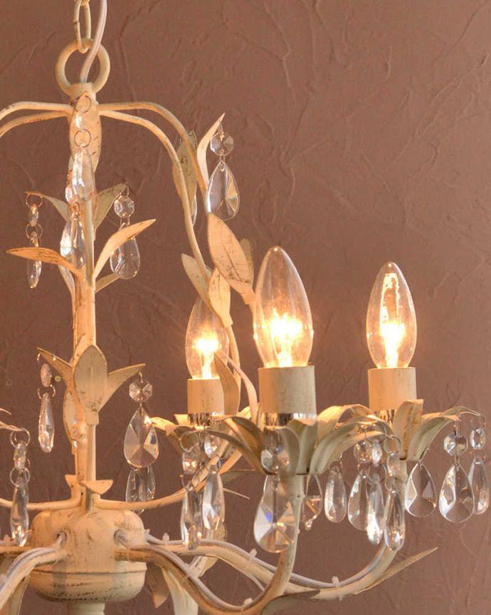 シャンデリア 照明・ライティング 手軽に使えるアクリルガラスがキレイなアンティーク風シャンデリア(6灯)(E12電球付)。。(cr-501)