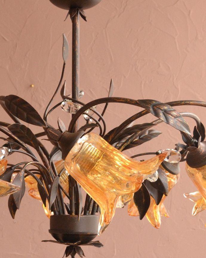 シャンデリア 照明・ライティング アンティーク風のシェード付きシャンデリア(8灯)(E17電球付)。。(cr-502)