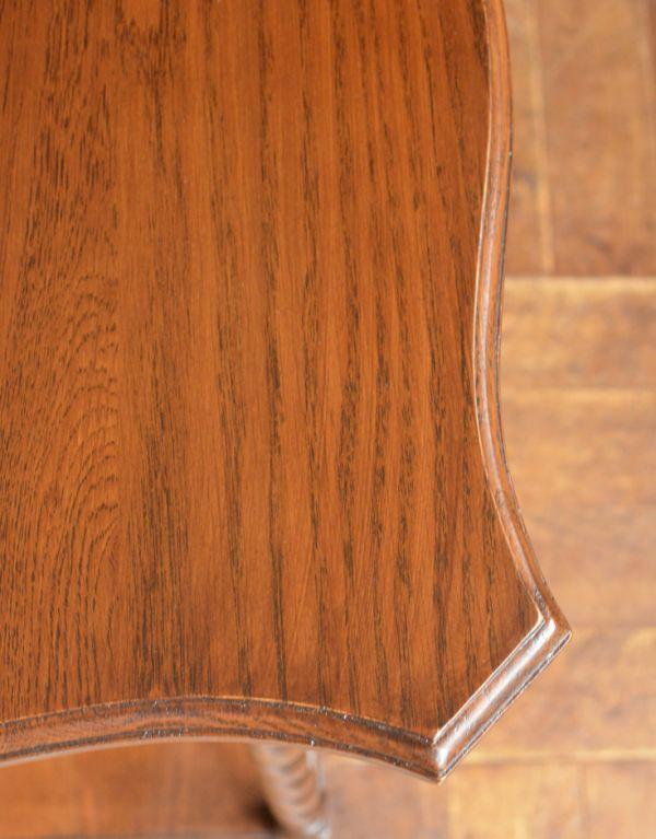 y-140-f アンティークオ風ケージョナルテーブルの角