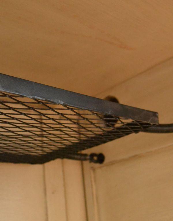 y-167-f アンティーク風デスクの棚アップ