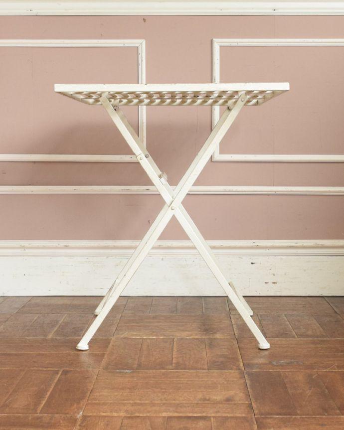 y-182-f アンティーク風コーヒーテーブルの横