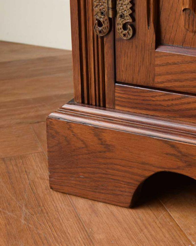 y-267-f アンティーク風ガラスキャビネット(食器棚)の脚